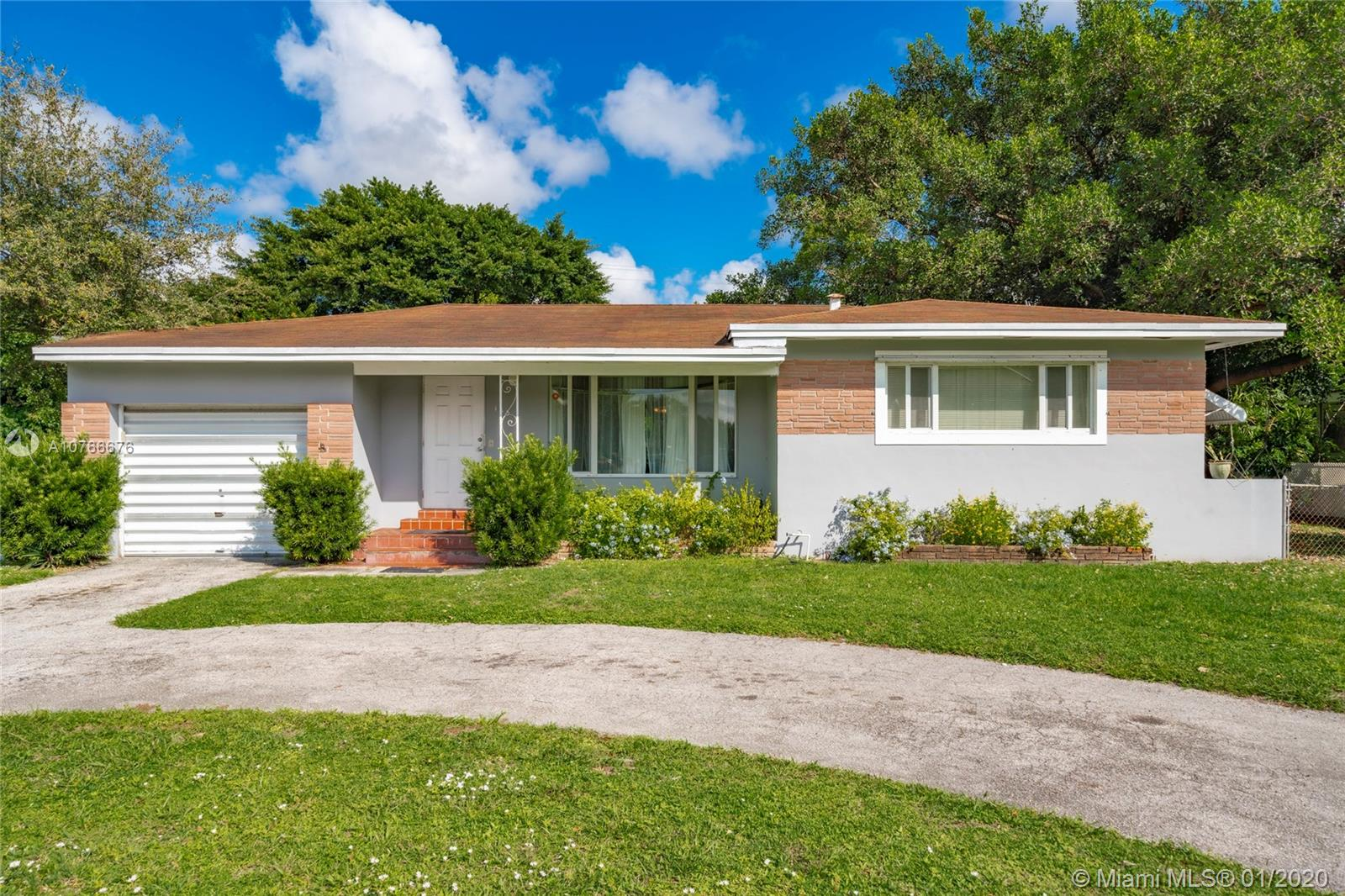 185 NW 115th St - Miami, Florida