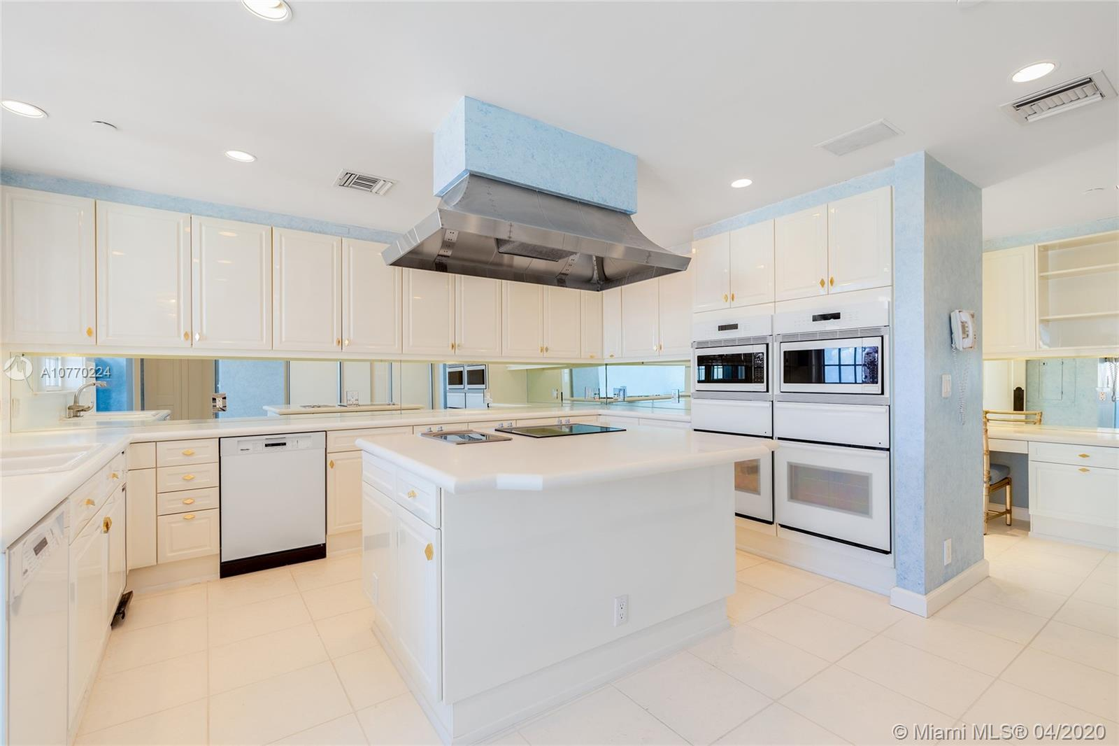 7795 Fisher Island Dr #7795 photo016