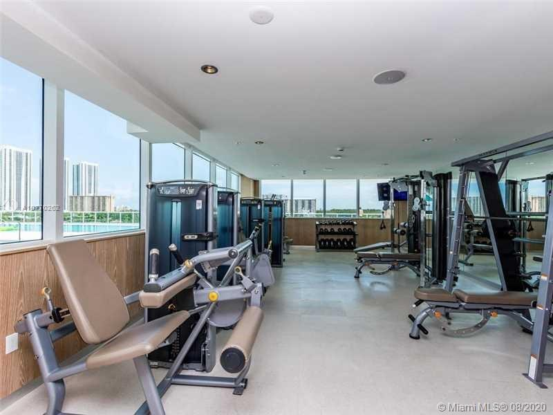 400 Sunny Isles Blvd #917 photo033