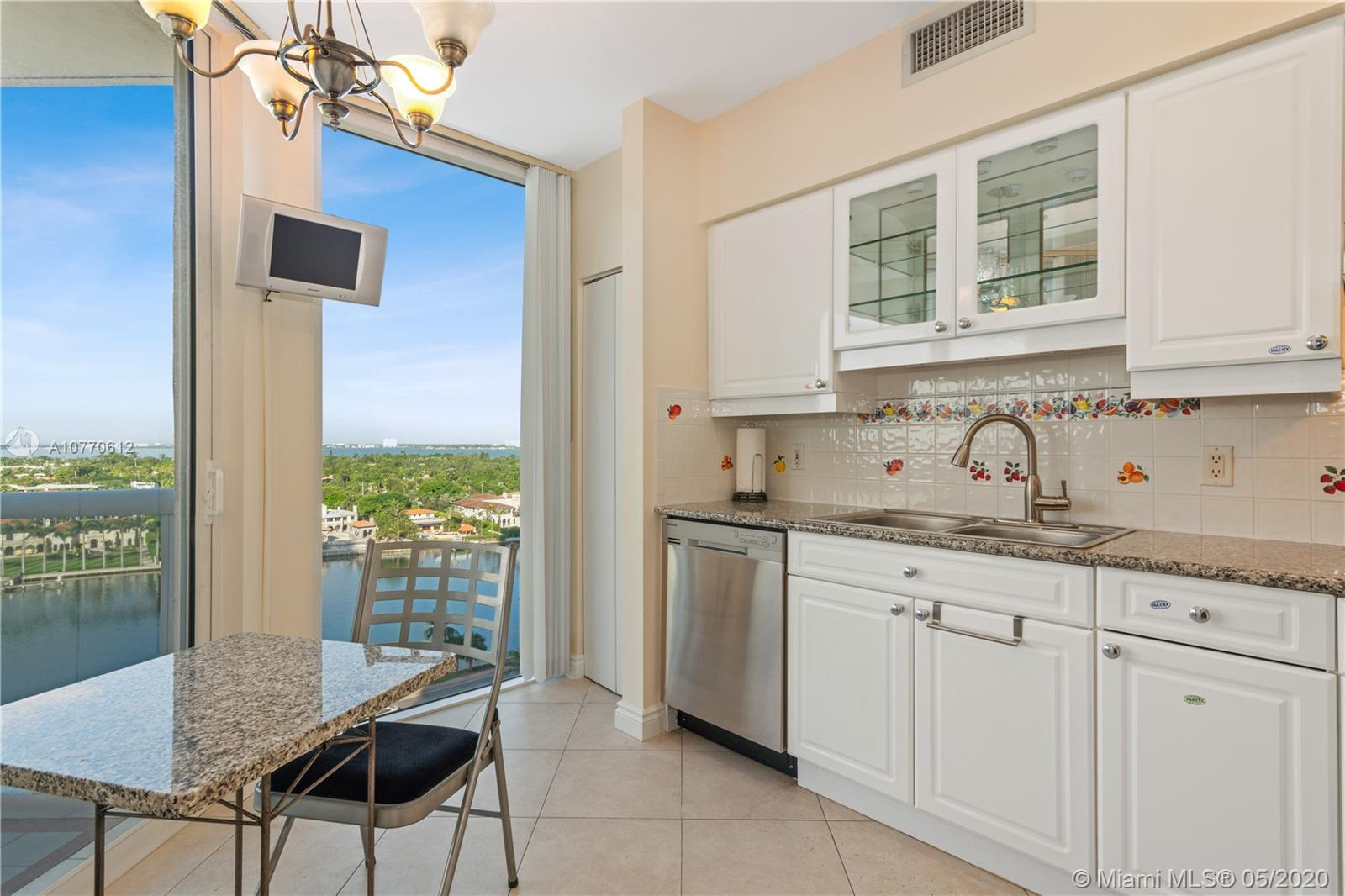 4779 Collins Ave #1206 photo04