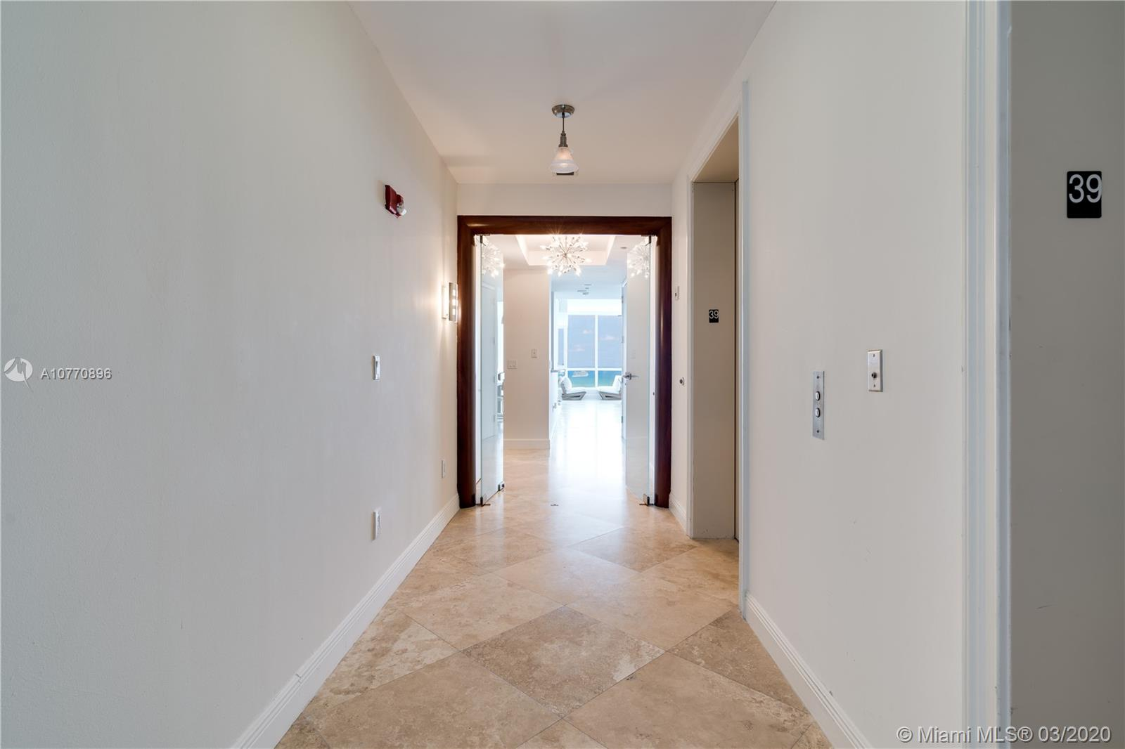 100 S Pointe Dr #3905 photo03