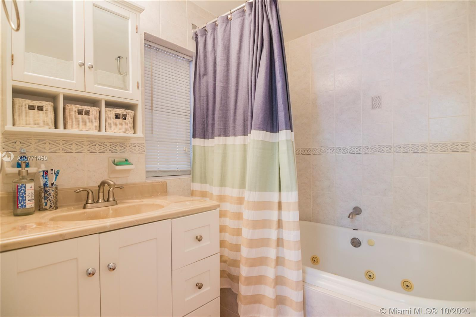 2640 SW 24th Ave photo026