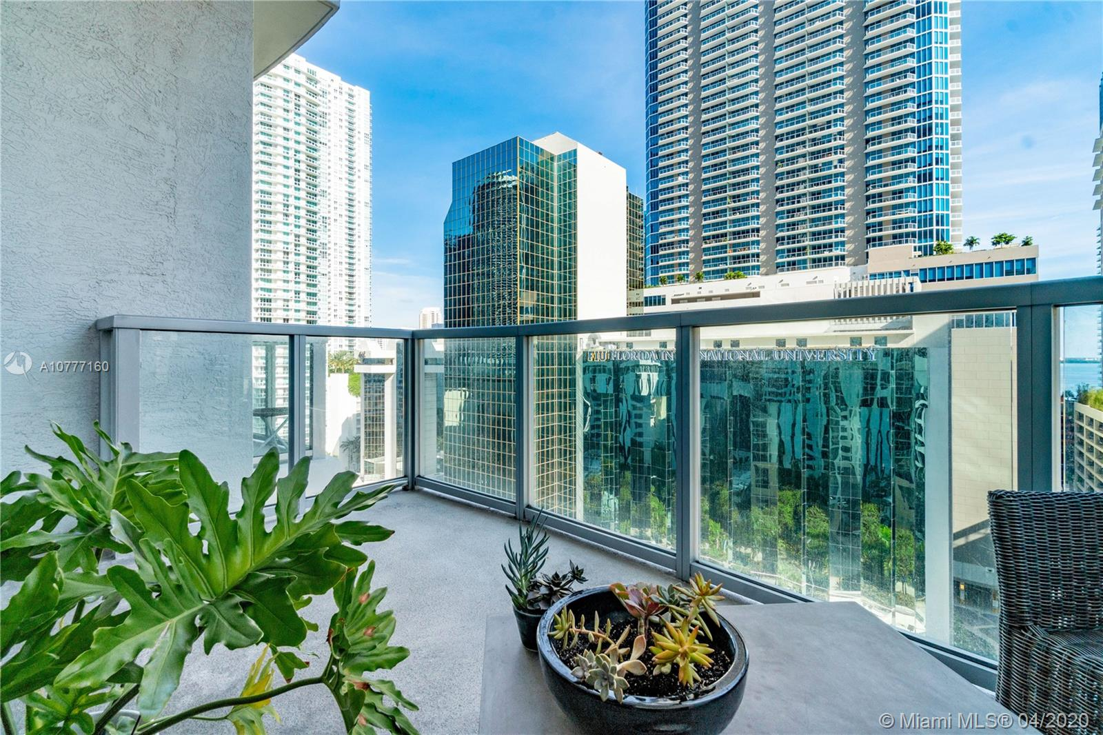 1060 Brickell Ave #1205 photo06