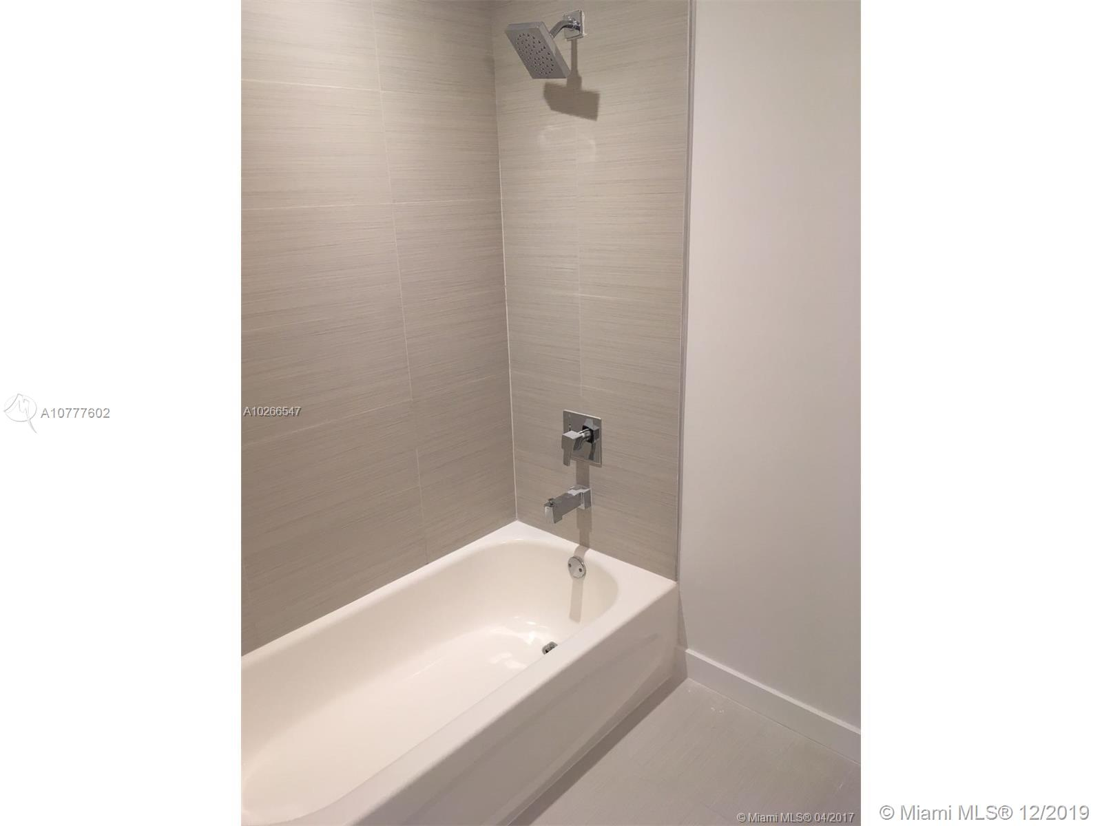 1010 SW 2nd Ave #1608 photo015