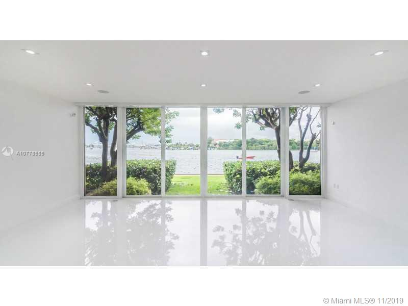 1000 VENETIAN WY, TH-105 - Miami Beach, Florida