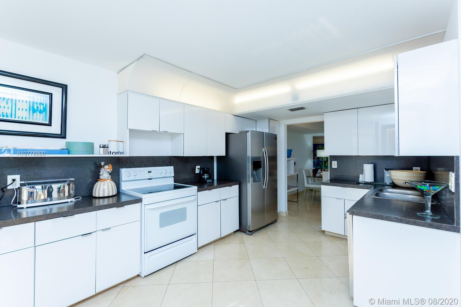 8877 Collins Ave #610 photo09