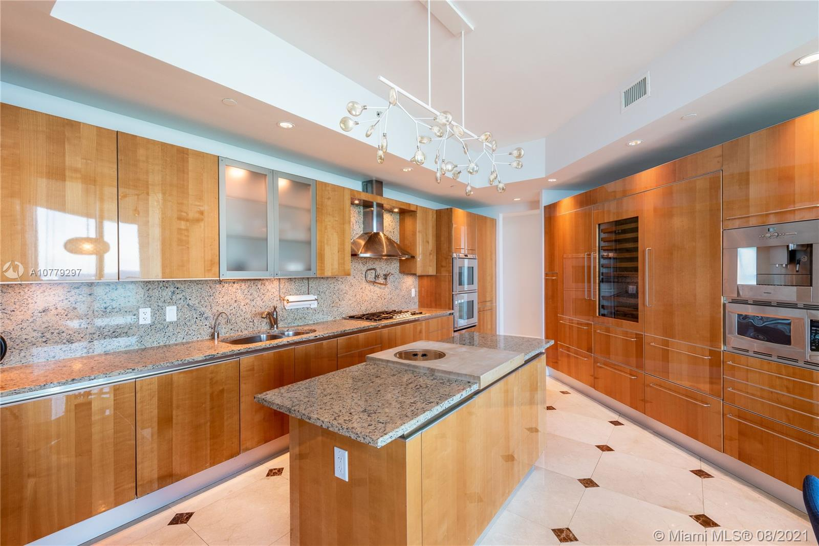 16047 Collins Ave #2104 photo06