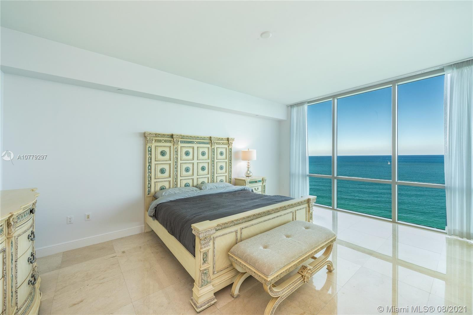 16047 Collins Ave #2104 photo010