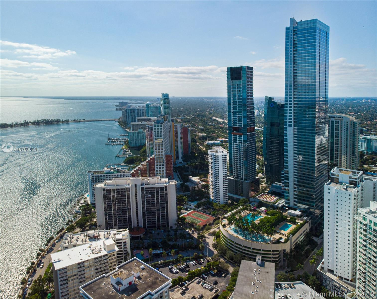 1425 Brickell Ave, 52D - Miami, Florida