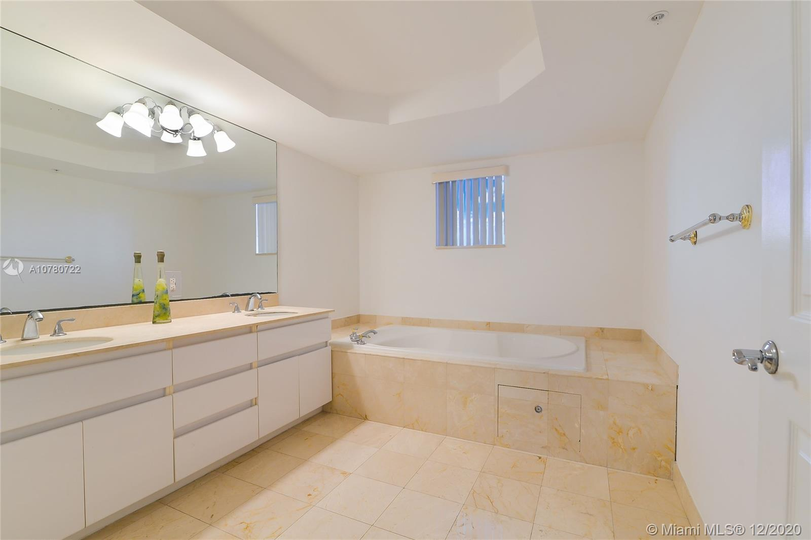16711 Collins Ave #1201 photo013