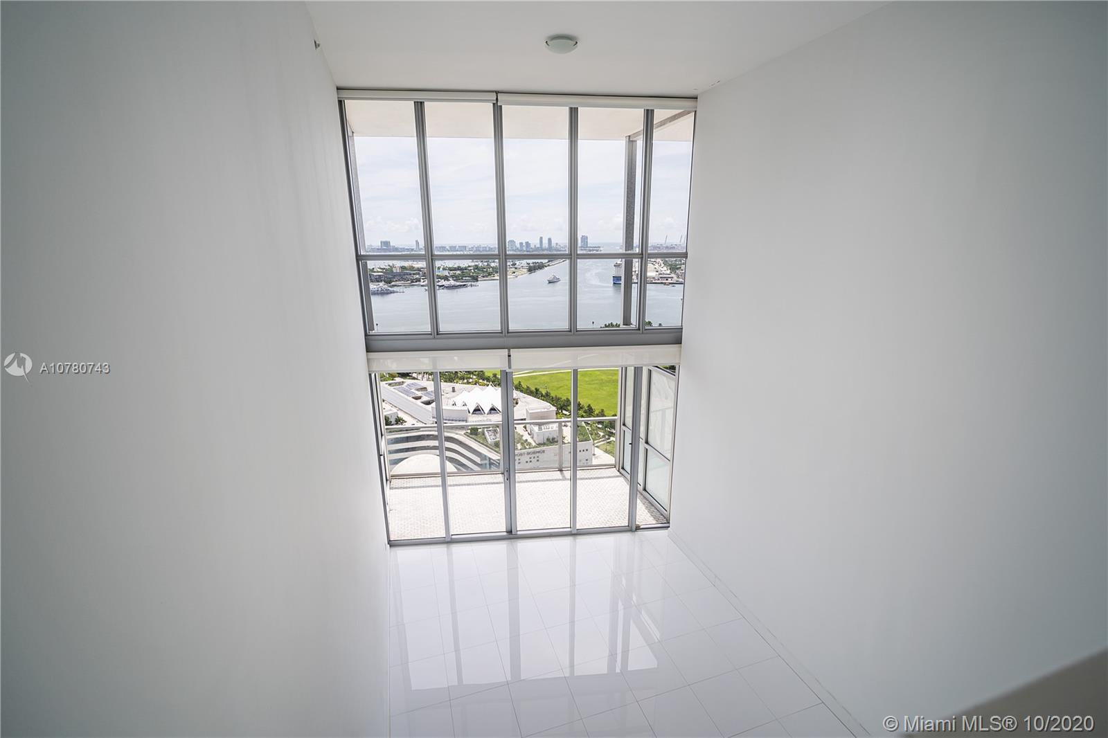 1100 Biscayne Blvd #2906 photo014