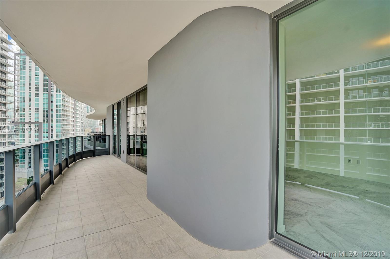 1000 Brickell Plaza #2215 photo04