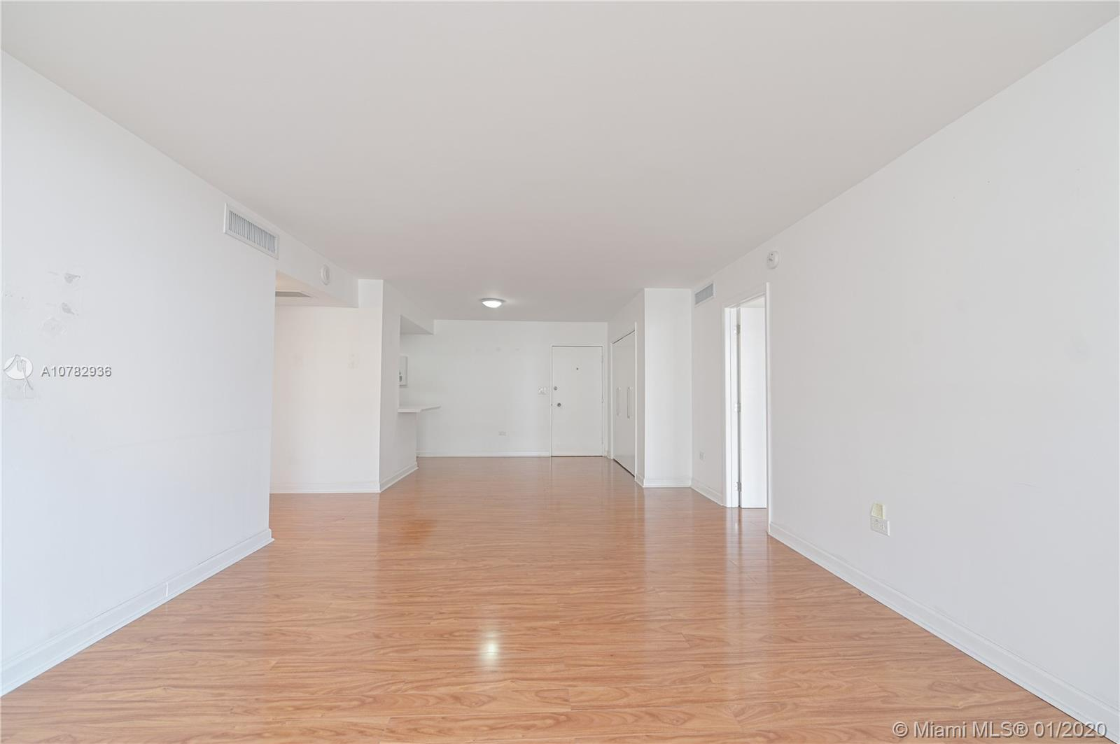 5555 Collins Ave #10Z photo03
