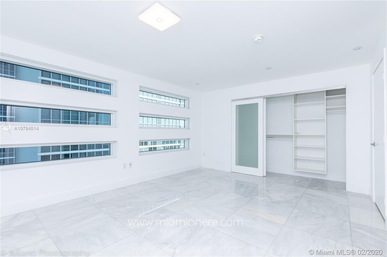Property 1040 Biscayne Blvd #2104 image 25