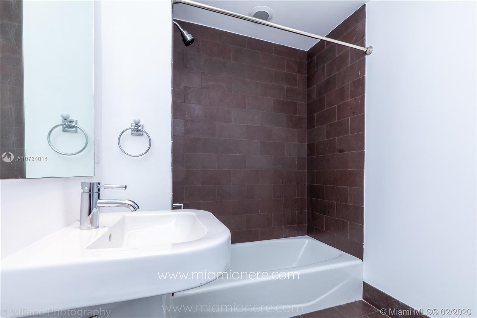 Property 1040 Biscayne Blvd #2104 image 27