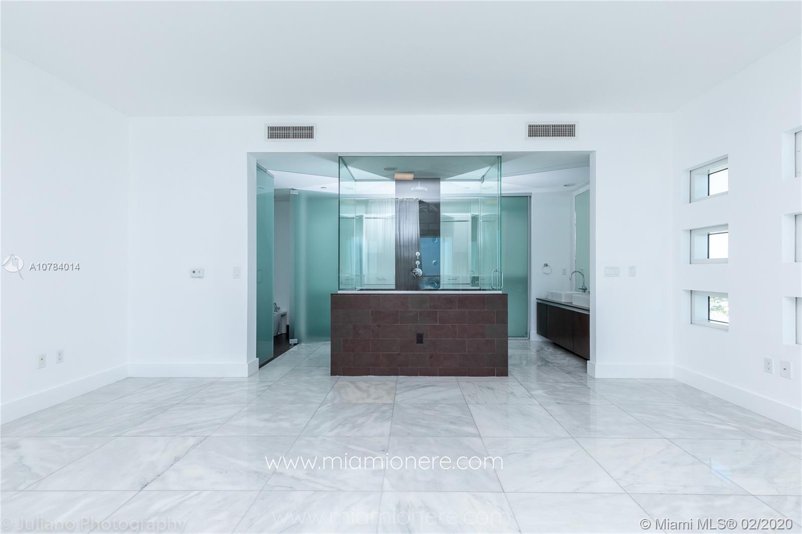 Property 1040 Biscayne Blvd #2104 image 14