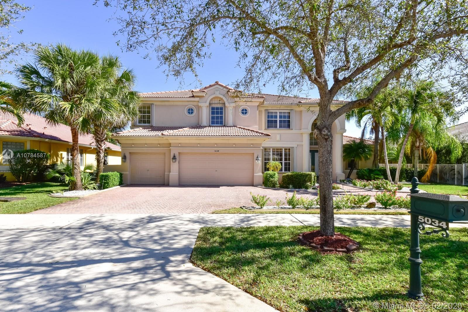 Property for sale at 5034 Countrybrook Dr, Cooper City,  Florida 33330