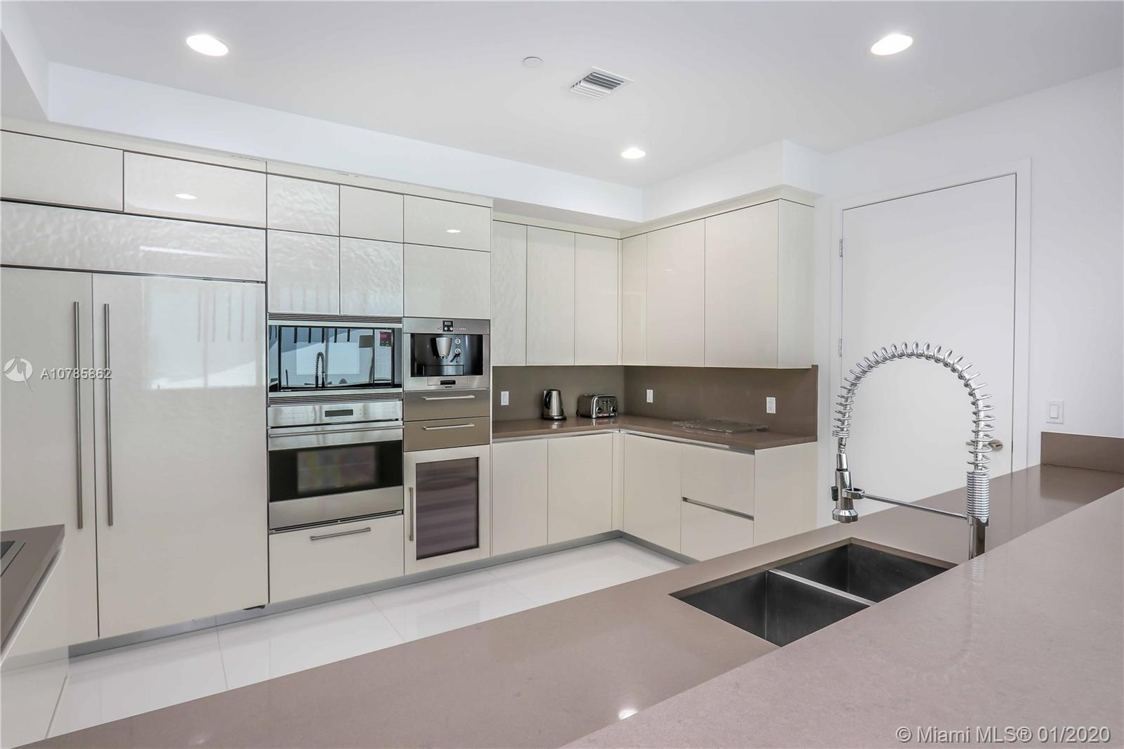 Property 17475 Collins Ave #2802 image 9
