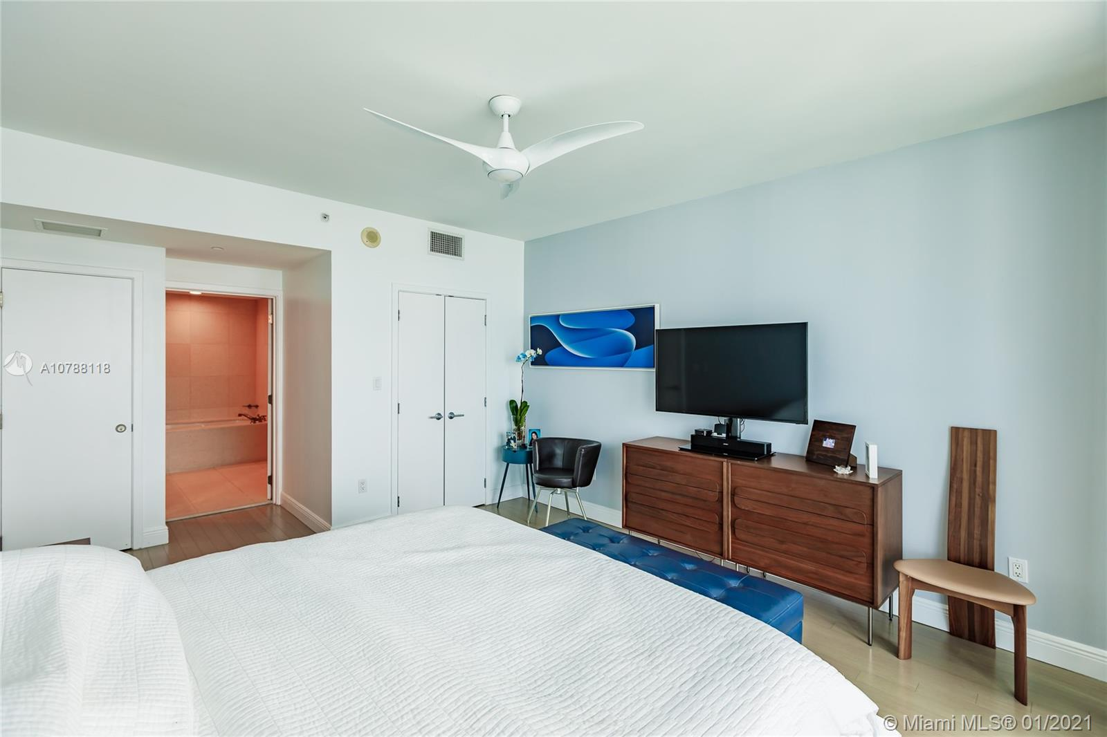 Photo of 6799 Collins Ave #806 listing for Sale