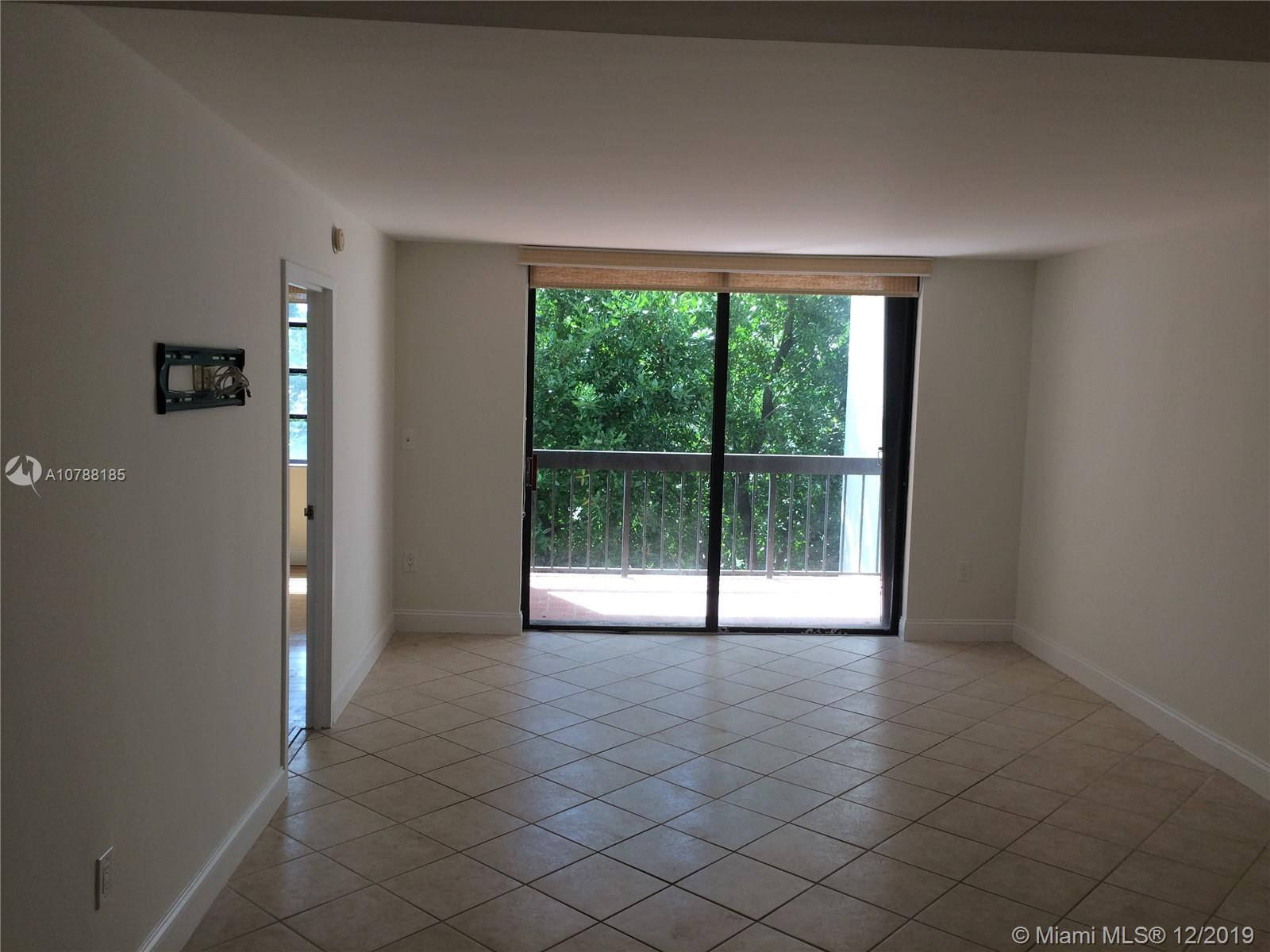 2333 Brickell Avenue #314 photo05
