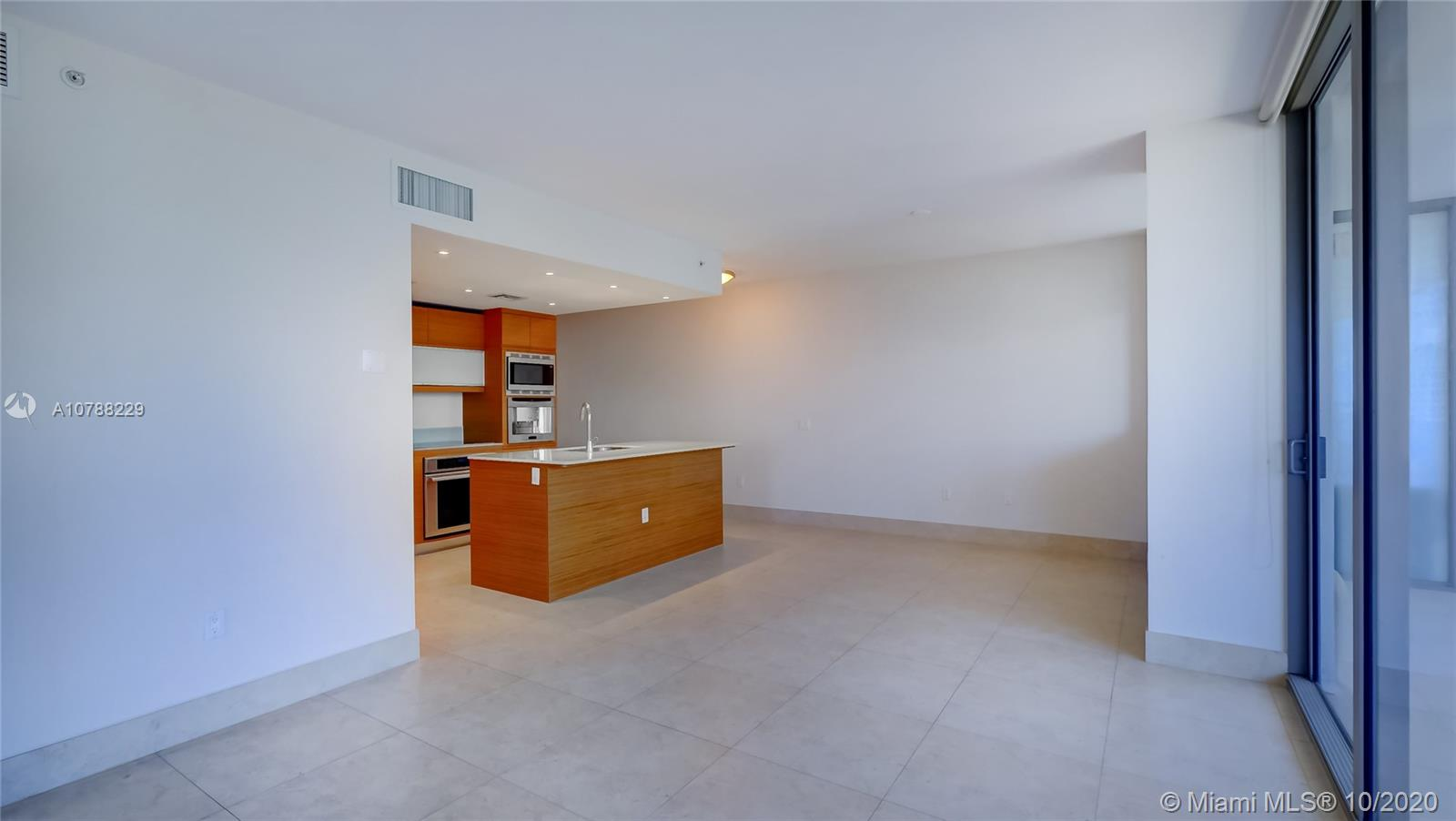 5875 Collins Ave #1107 photo012