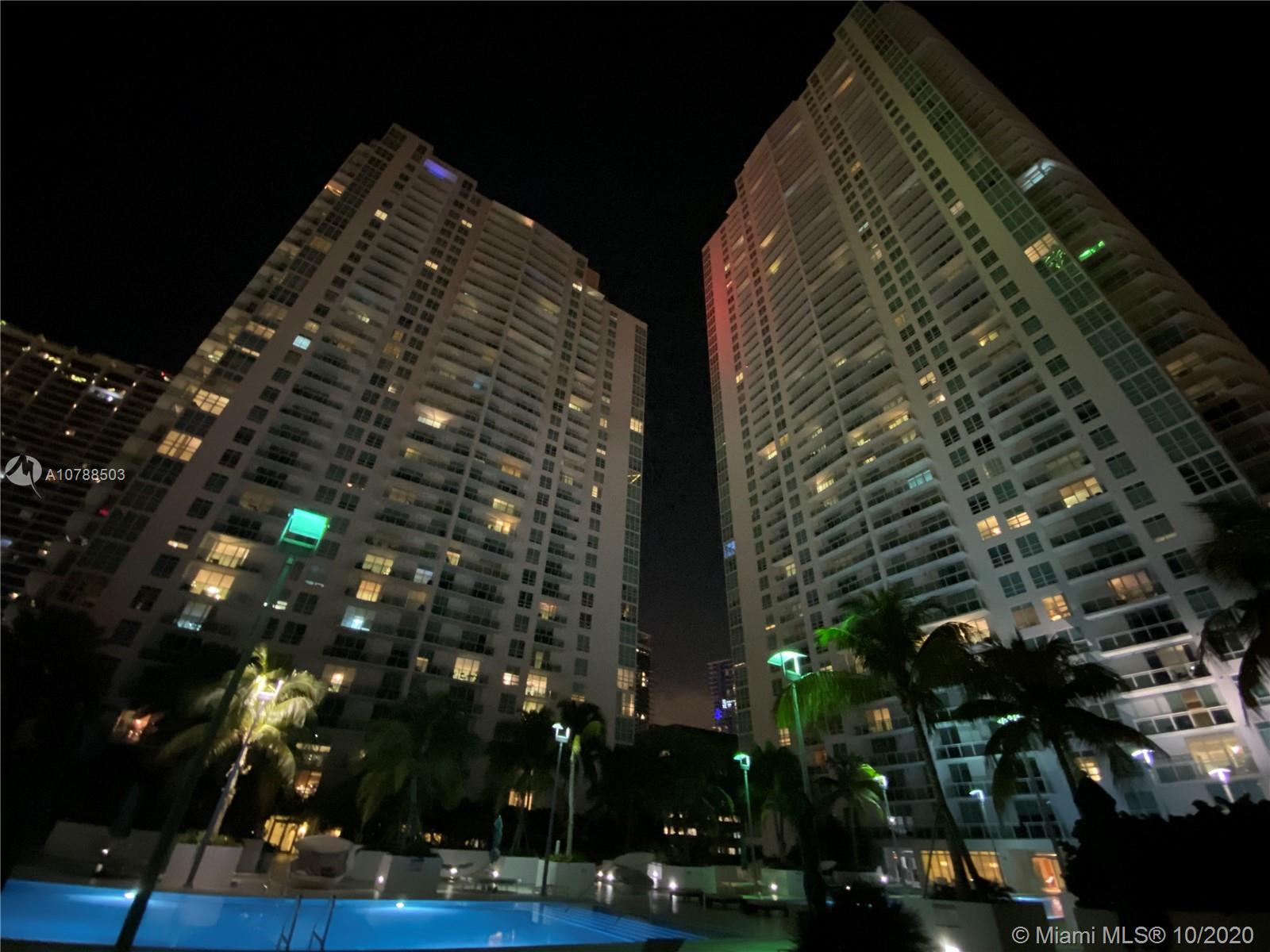 Photo of 951 Brickell Ave #3300 listing for Sale
