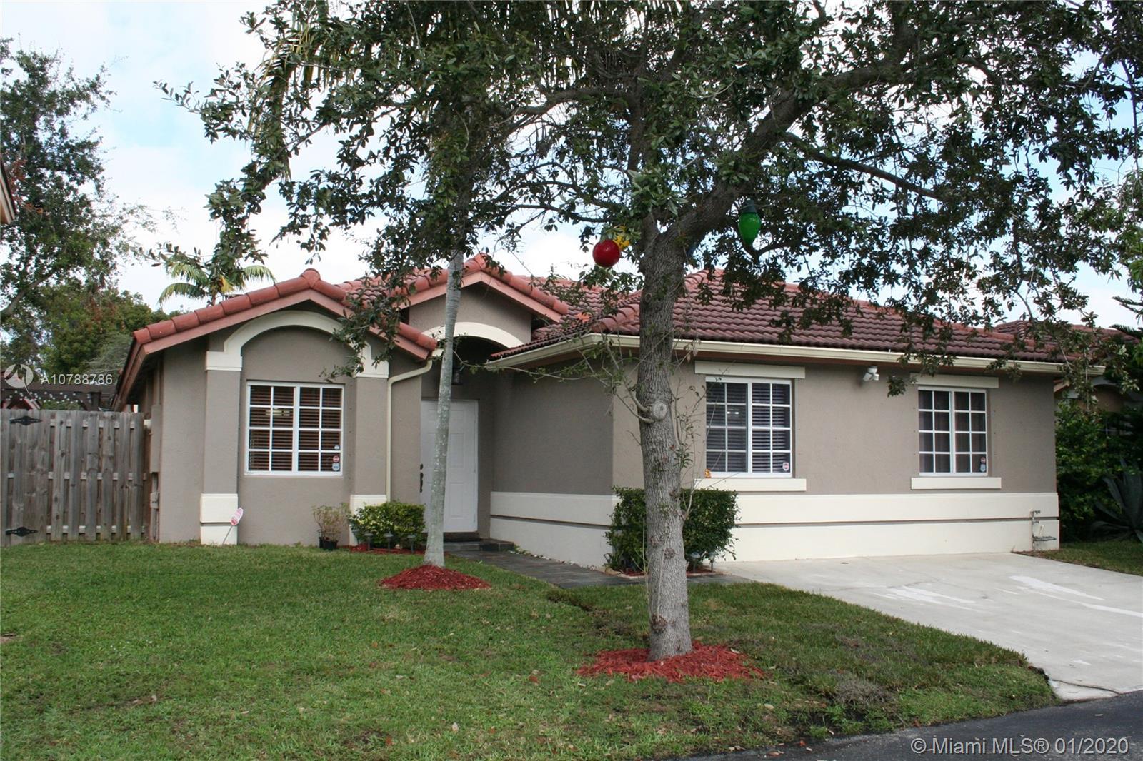 9017 SW 215th St - Cutler Bay, Florida
