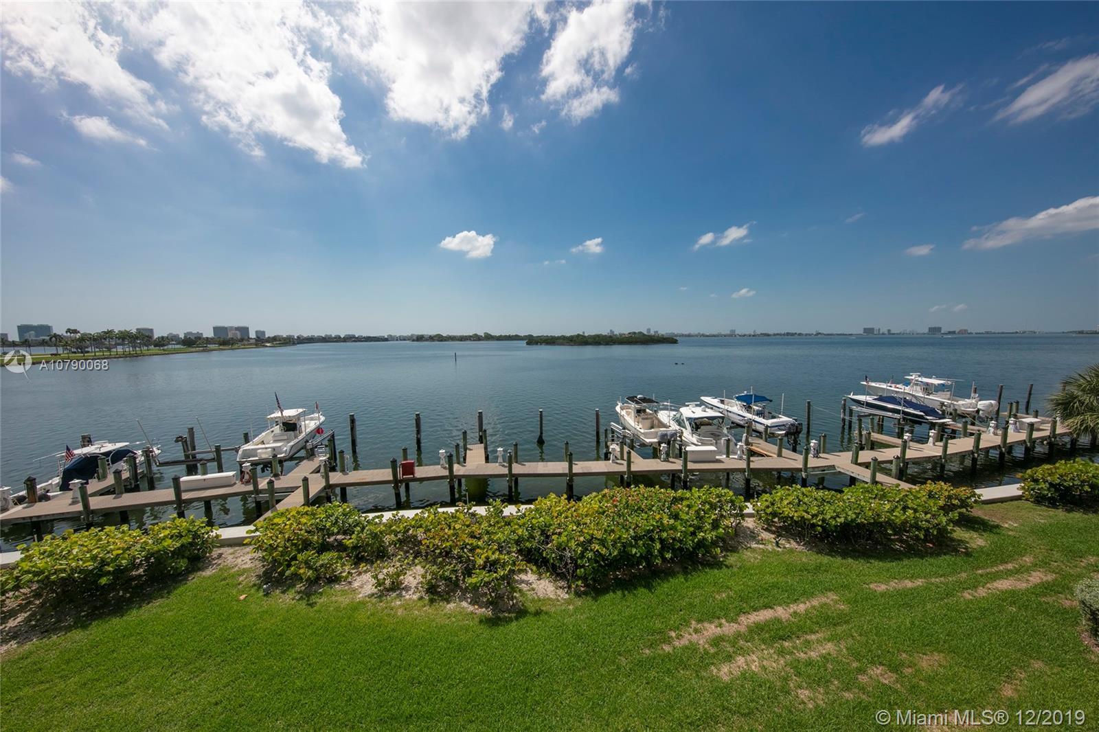 12000 N Bayshore Dr, 305 - North Miami, Florida