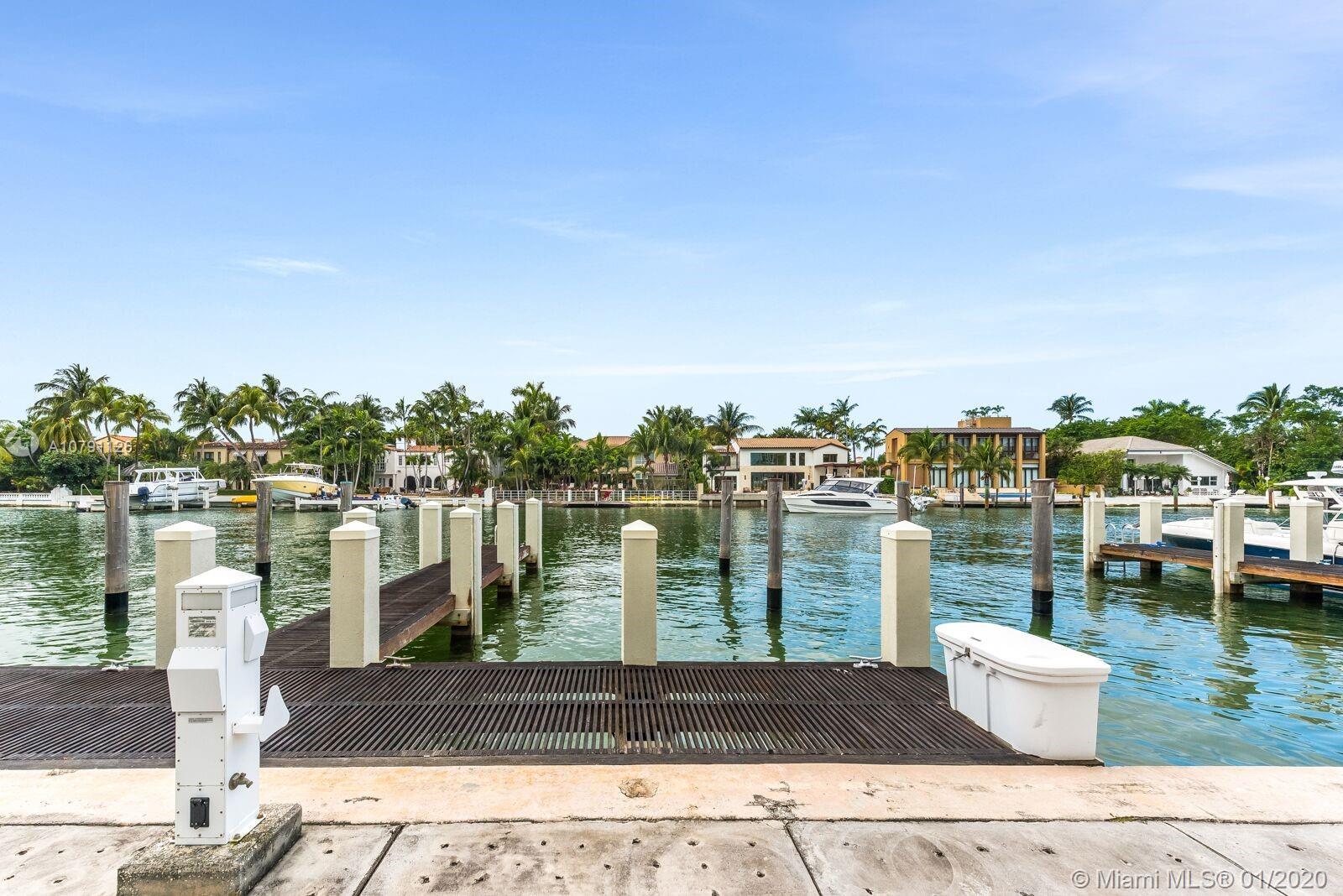 6101 W Laguna Dr W - Miami Beach, Florida