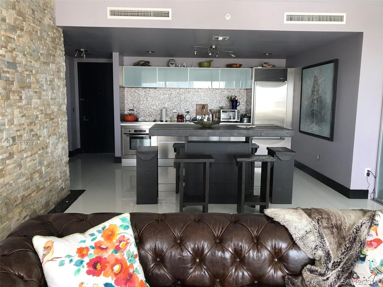 Property 1040 Biscayne Blvd #3007 image 2