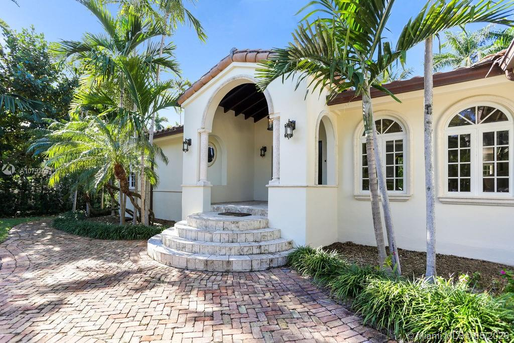 Photo of 2532 Lake Ave # listing for Sale