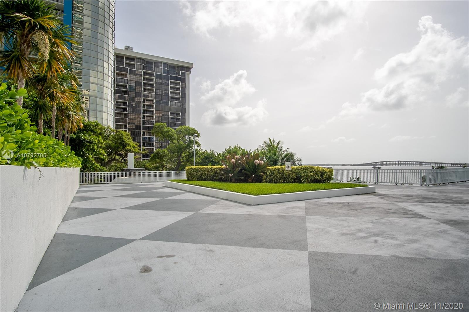 2101 Brickell Ave #503 photo033