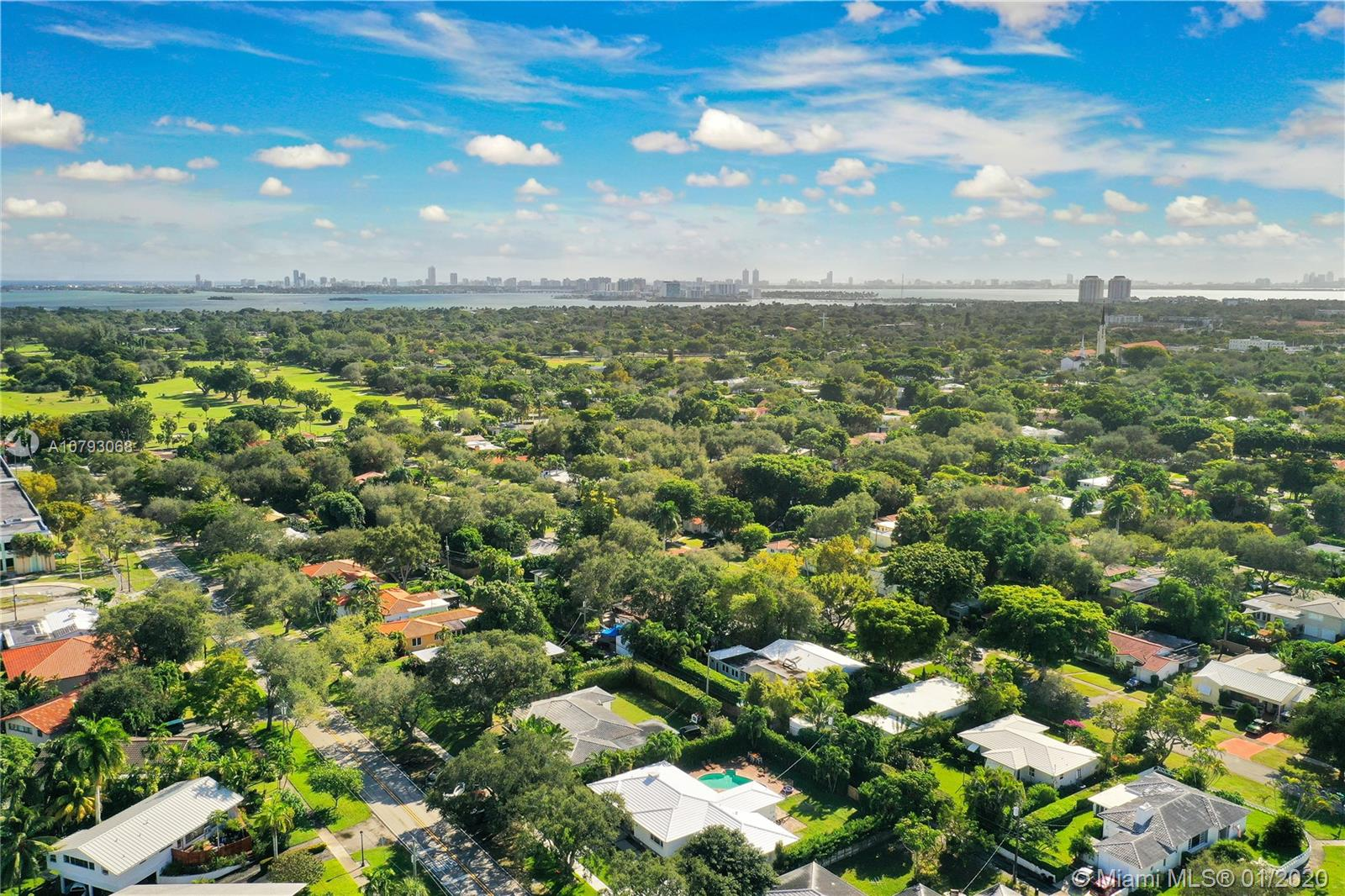 Photo of 424 NE 103rd St # listing for Sale