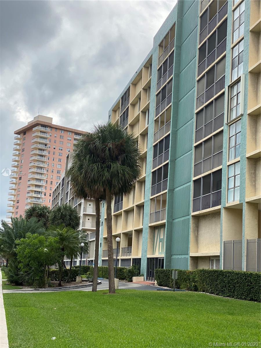 17600 N Bay Rd # N606, Sunny Isles Beach, Florida 33160, 1 Bedroom Bedrooms, ,2 BathroomsBathrooms,Residential,For Sale,17600 N Bay Rd # N606,A10793231