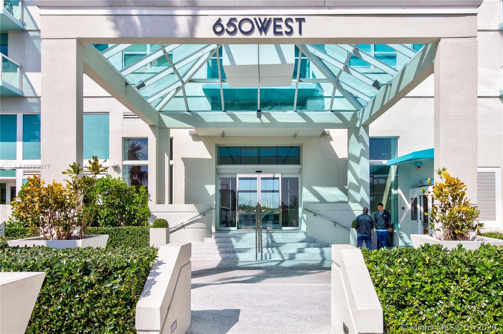 Photo of 650 West Ave #305 listing for Sale
