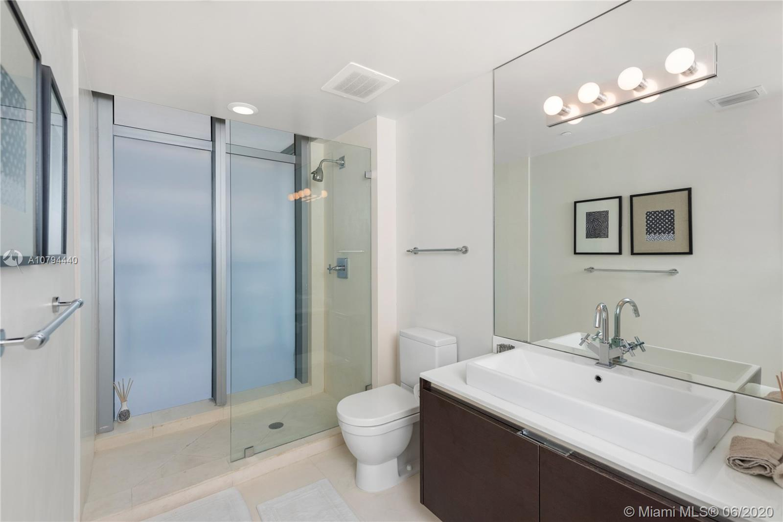 3737 Collins Ave #S-702 photo018