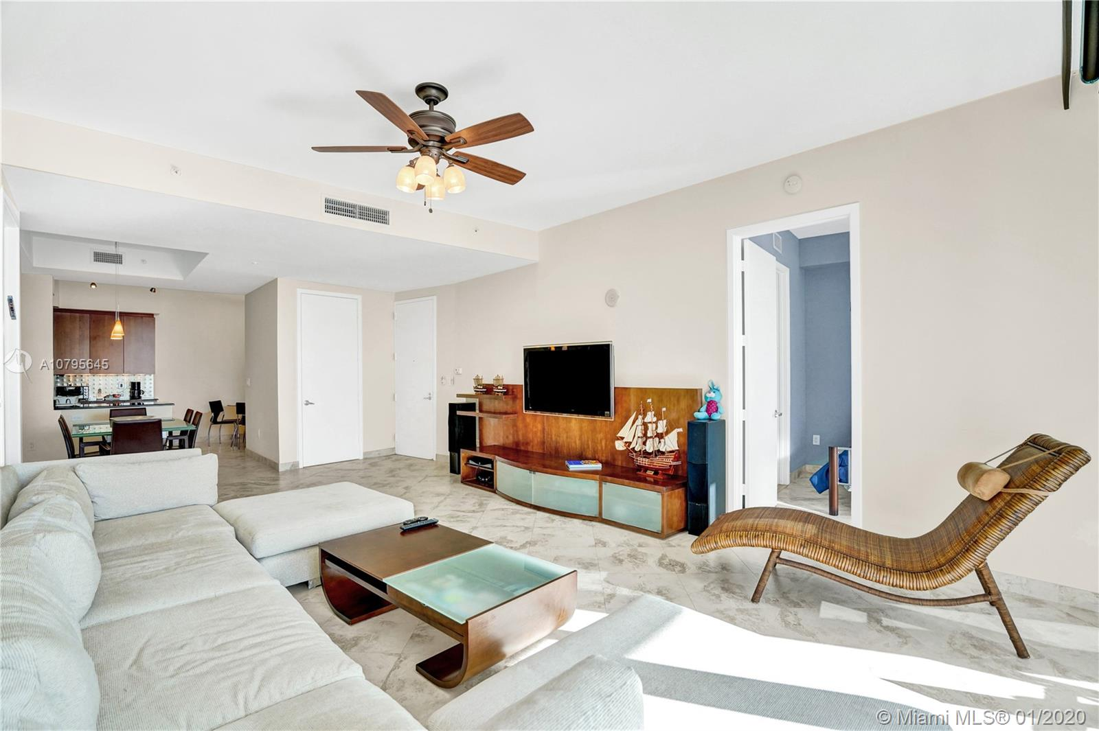 Property 18101 Collins Ave #504 image 4