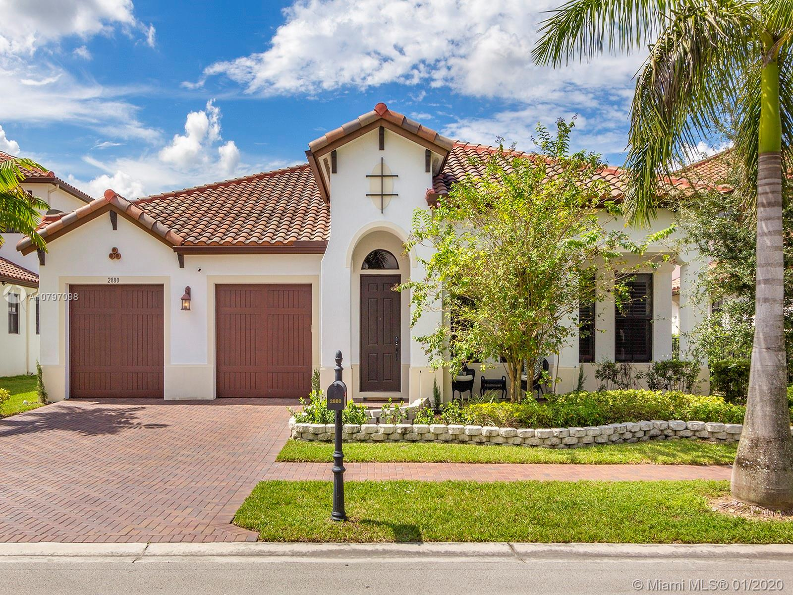 2880 NW 82nd Way - Pembroke Pines, Florida