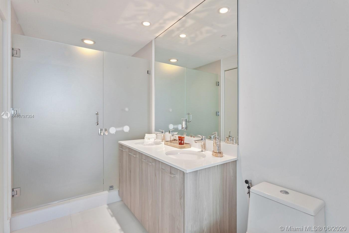 Photo of 501 NE 31st St #3405 listing for Sale