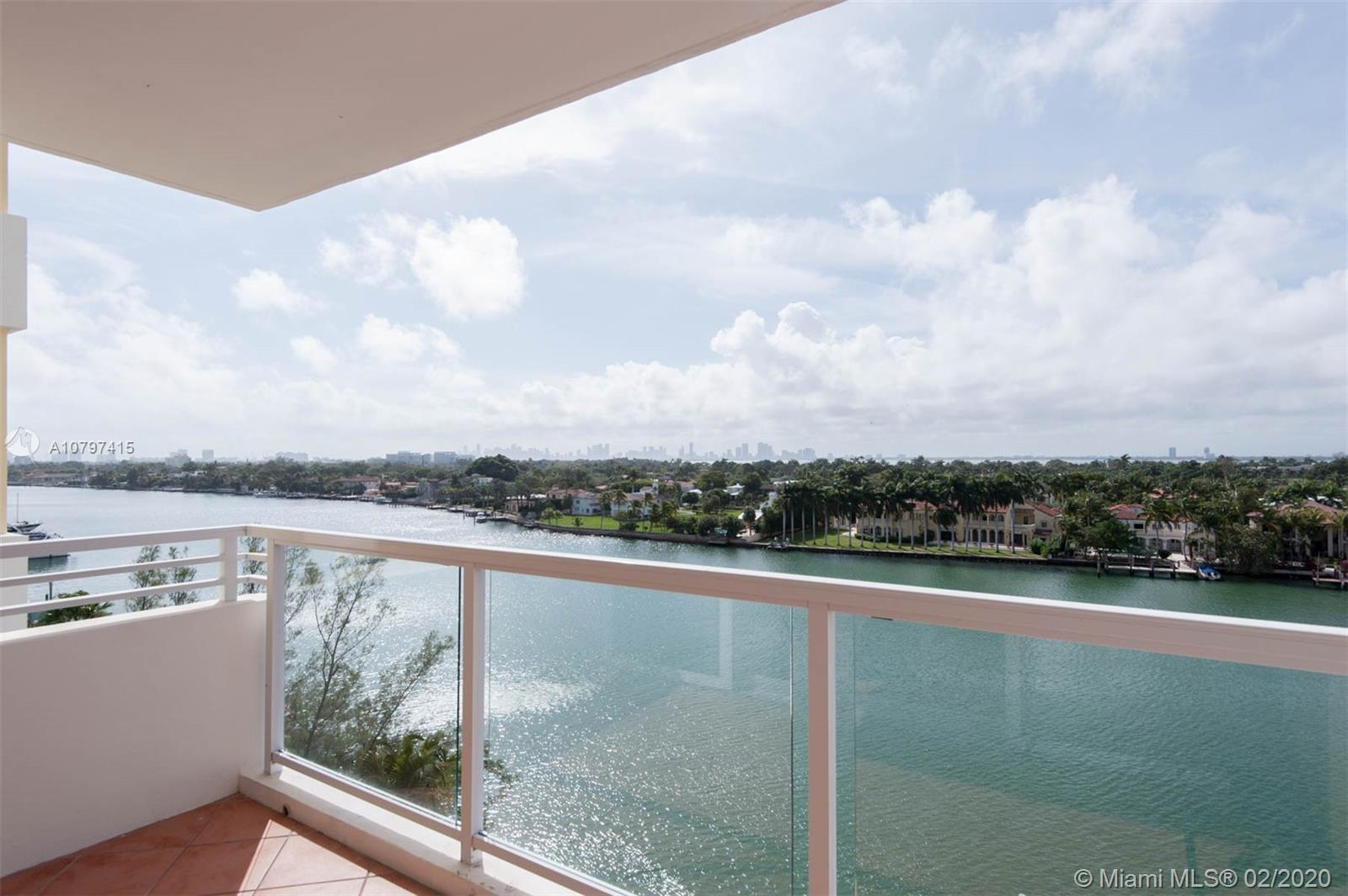 5600 Collins Ave #8G photo02