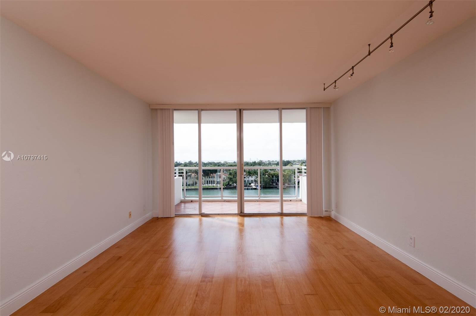 5600 Collins Ave #8G photo08