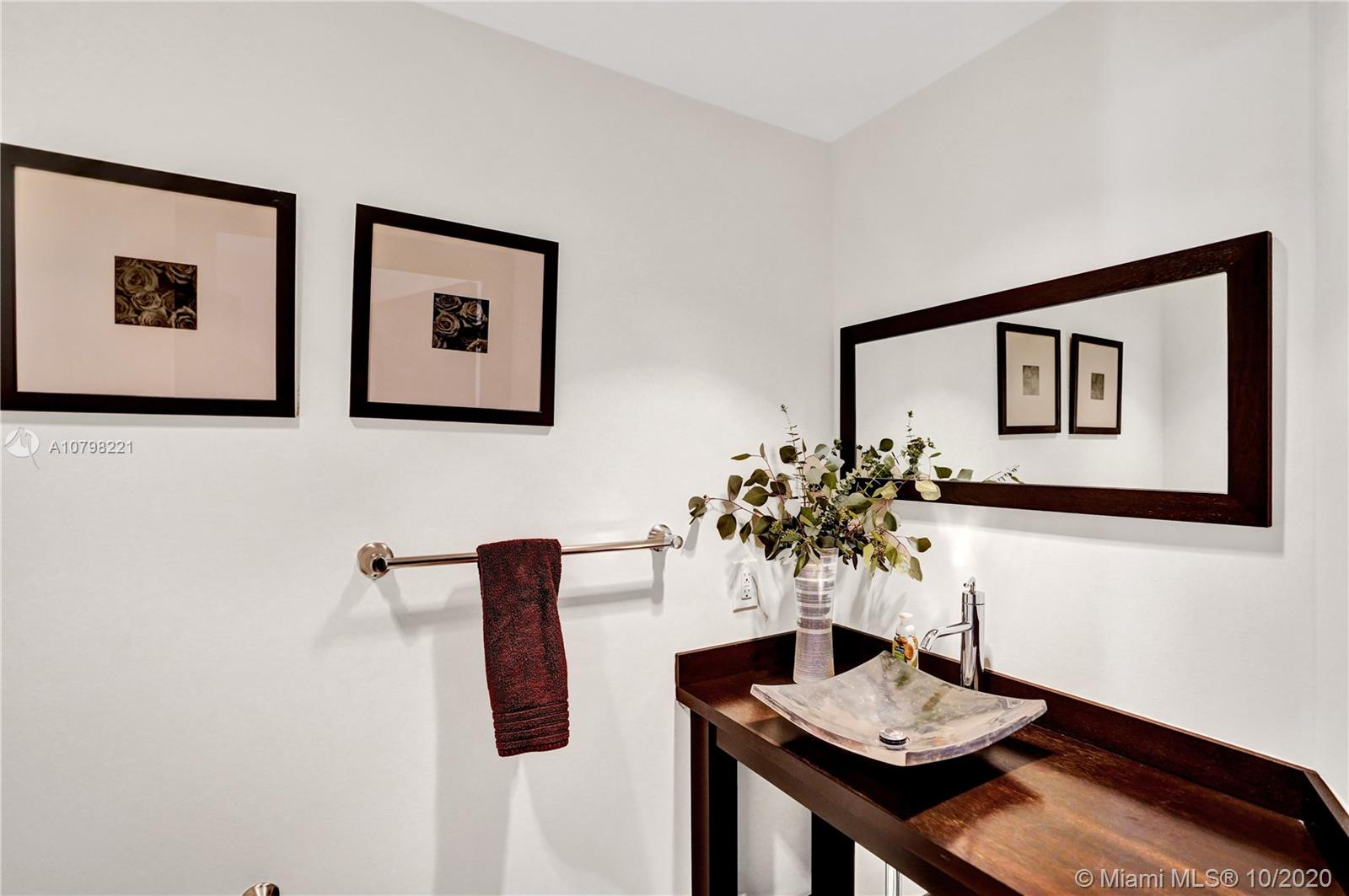 Photo of 6000 Island Blvd #1206 listing for Sale