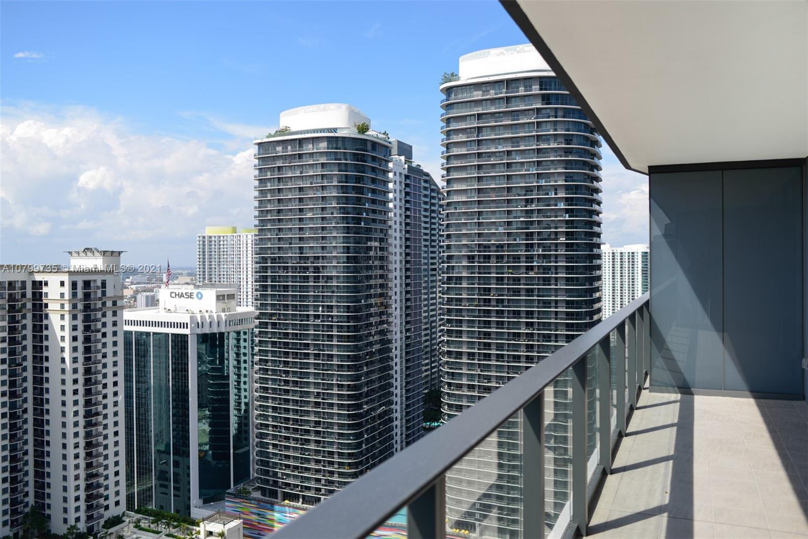 1000 Brickell Plaza #2210 photo012