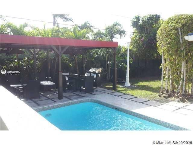6370 SW 42nd Ter - South Miami, Florida