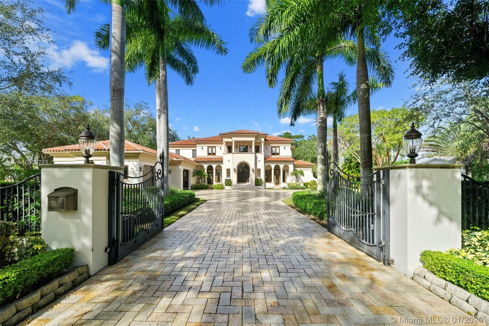 7515 SW 122nd St, Pinecrest, Florida 33156, 6 Bedrooms Bedrooms, ,7 BathroomsBathrooms,Residential,For Sale,7515 SW 122nd St,A10800785