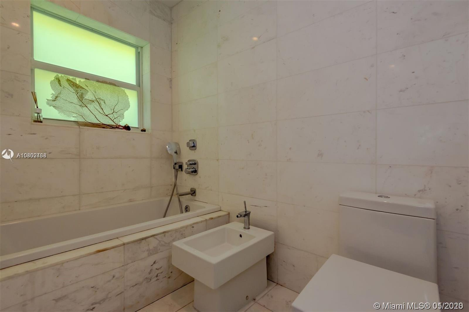 Photo of 1520 W 22nd St, Home