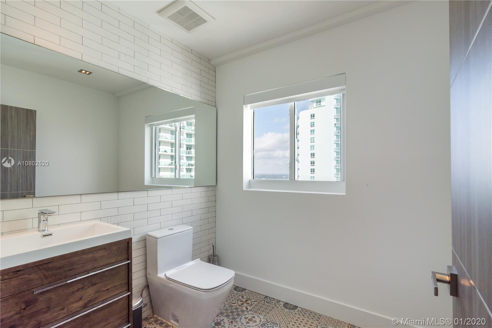 Photo of 1800 N Bayshore Dr #PH3715 listing for Sale