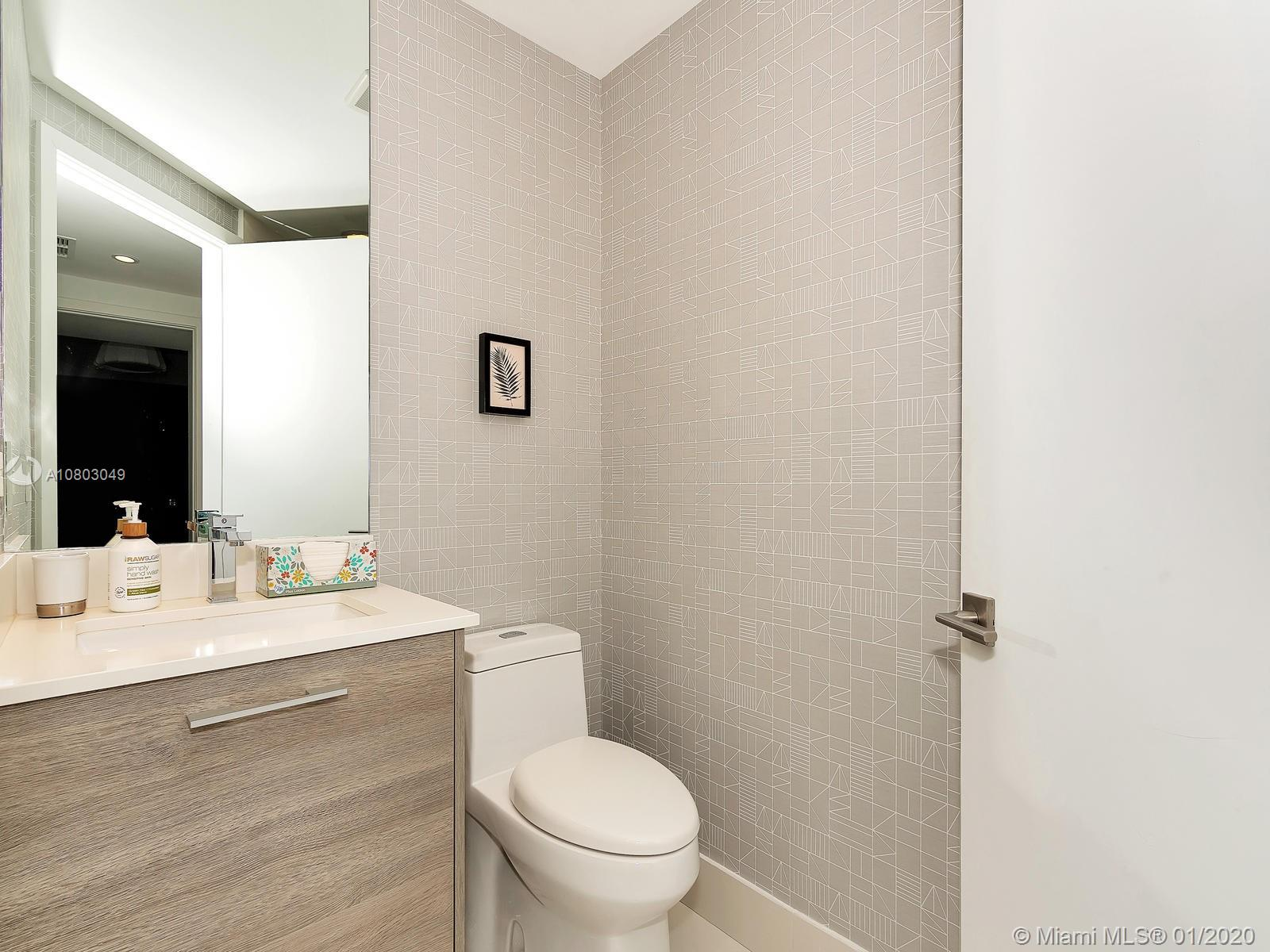 Photo of 650 NE 32nd St #2901 listing for Sale