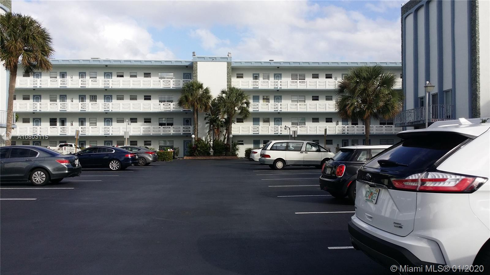 4050 NW 42nd Ave, 413 - Lauderdale Lakes, Florida