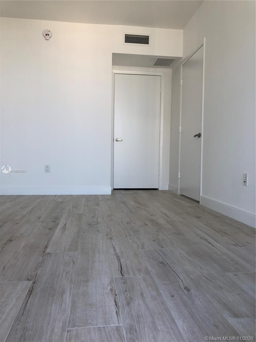 Photo of 465 Brickell Ave #4304 listing for Sale